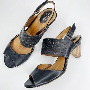 Clarks Artisan Slingback Leather Peep Toe Sandals